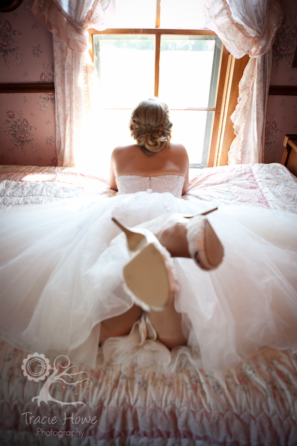 Pretty picture of bride on a bed